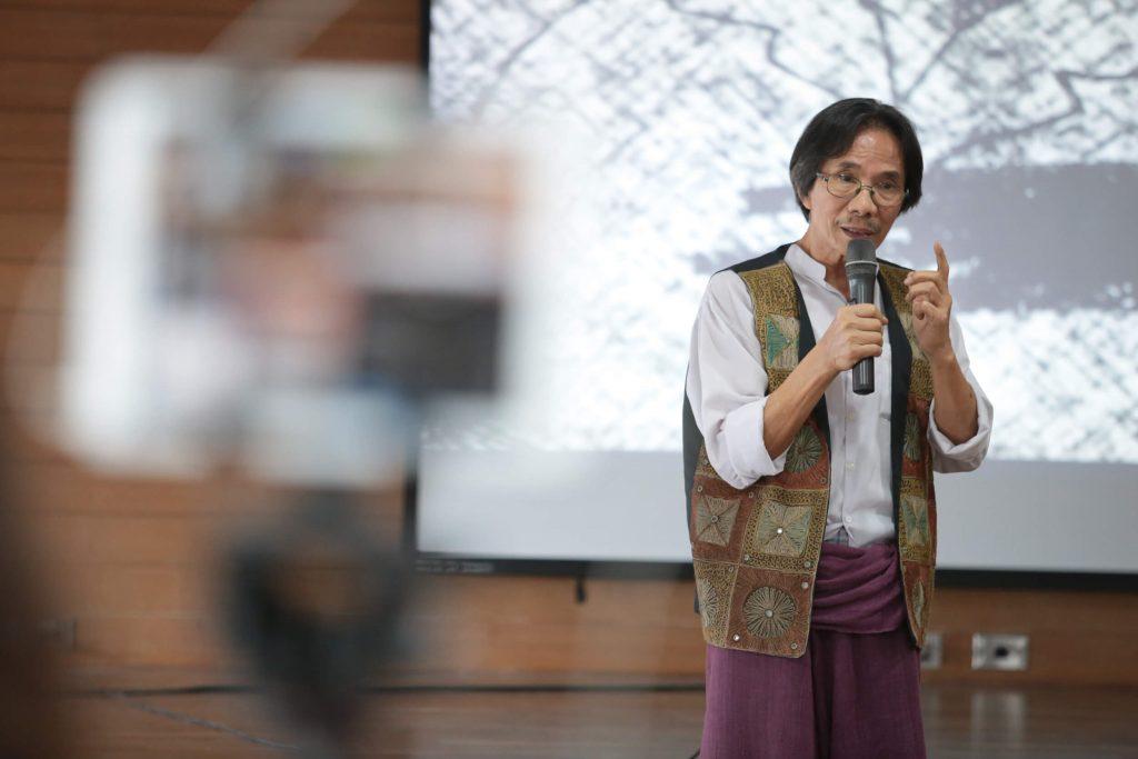 ประชา หุตานุวัตร : เราต้องช่วยกันเรียน ไม่ใช่แข่งกันเรียน